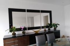 Tríptico de espejos con marco.