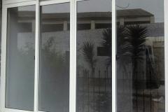 Ventana corrediza con marco de aluminio